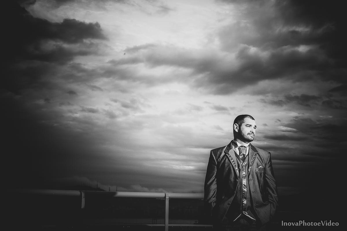 wedding-Renato-Fabricia-casamento-matriz-Biguaçu-SC-inova-photo-video-making-of-noivo-retrato
