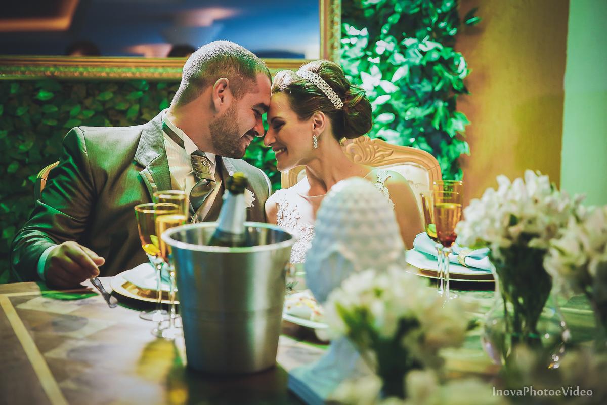wedding-Renato-Fabricia-casamento-matriz-Biguaçu-SC-inova-photo-video-recepcao--mesa-noivos