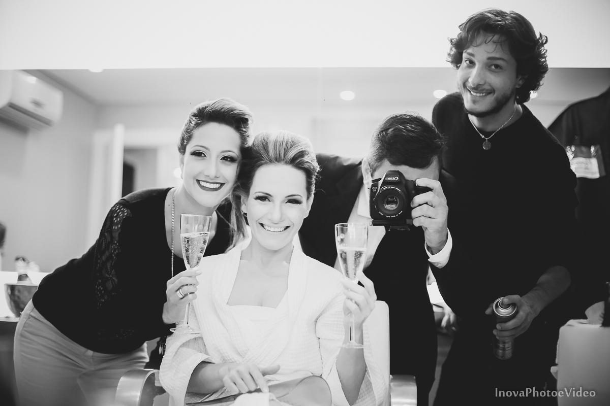 wedding-Renato-Fabricia-casamento-matriz-Biguaçu-SC-inova-photo-video-making-of-noiva-photo