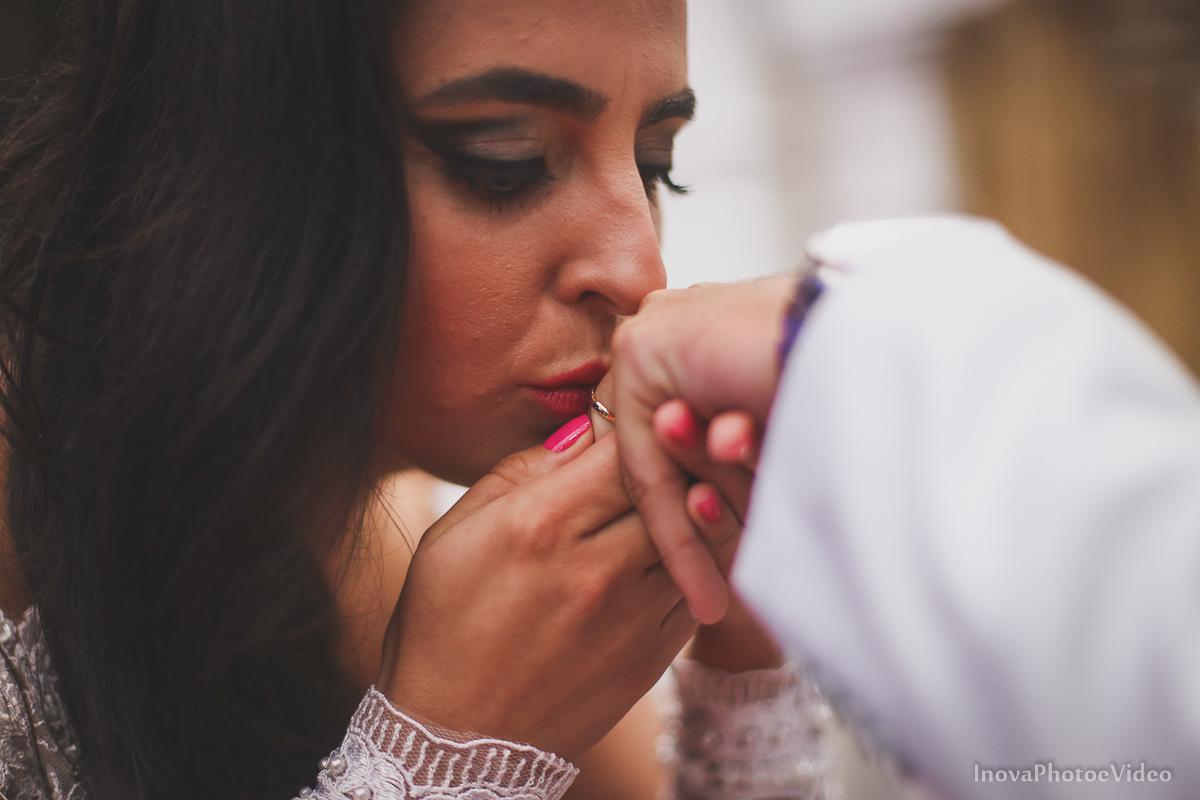 wedding-casamento-Rubnei-Leonara-Sitio-das-Figueiras-Biguaçu-SC-noivos-casados-campo-casa-inova-photo-video-cerimonia-votos-alianca-beijo