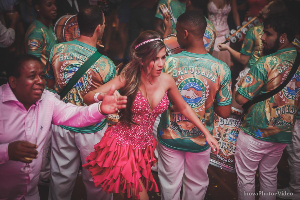 Festa-de-15-anos-Larissa-Mendes-Primeiro-de-Junho-Sao-Jose-SC-Douglas-e-Luciano-Dj-Eduardo-Isaac-teen-Debutante-Inova-Photo-Video-Fotografia-Beleza-moda-recepcao-emocao-samba-colonhia