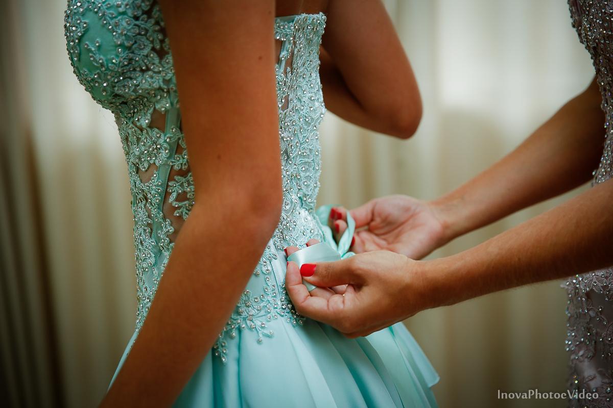 Festa-de-15-anos-Larissa-Mendes-Primeiro-de-Junho-Sao-Jose-SC-Douglas-e-Luciano-Dj-Eduardo-Isaac-teen-Debutante-Inova-Photo-Video-Fotografia-Beleza-moda-making-of-detalhe-vestido