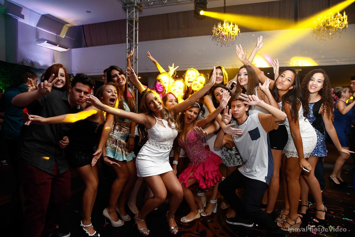 Festa-de-15-anos-Larissa-Mendes-Primeiro-de-Junho-Sao-Jose-SC-Douglas-e-Luciano-Dj-Eduardo-Isaac-teen-Debutante-Inova-Photo-Video-Fotografia-Beleza-moda-recepcao-emocao-