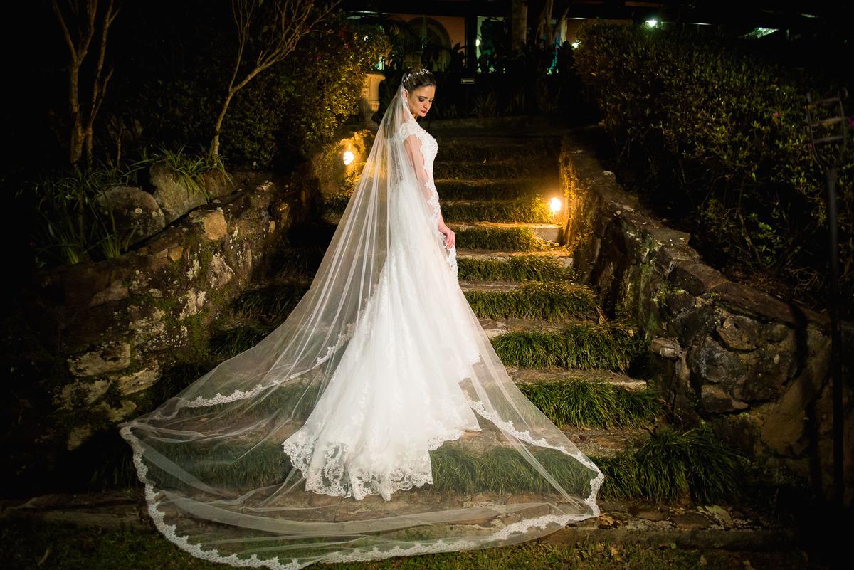 noiva pronta no buffet Mombaça Park em Itapecerica da Serra  - fotografado por Max Nogueira