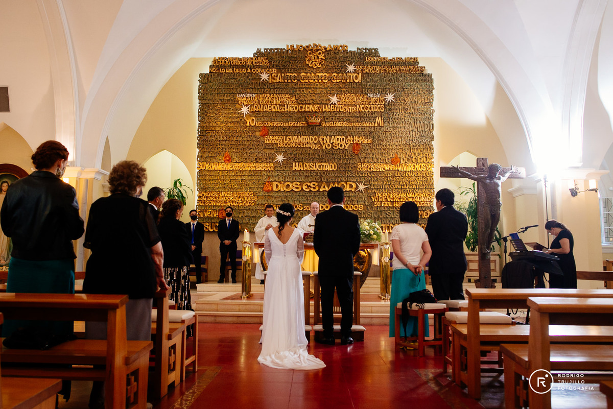 fotografia de bodas, foto en color, fotografia panoramica de la iglesia, bodas en rosario