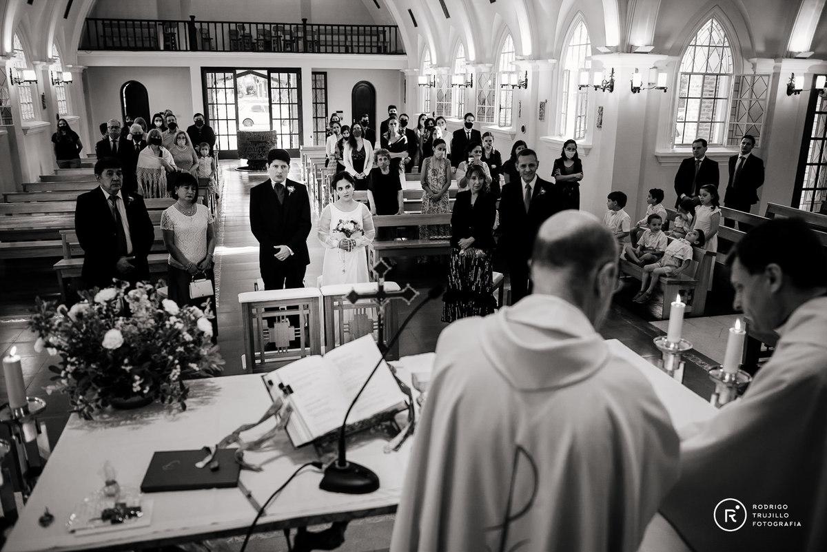 momentos de la boda, sacerdotes dando la ceremonia, casamientos de los novios, fotografia panoramica de la boda, momentos de los novios
