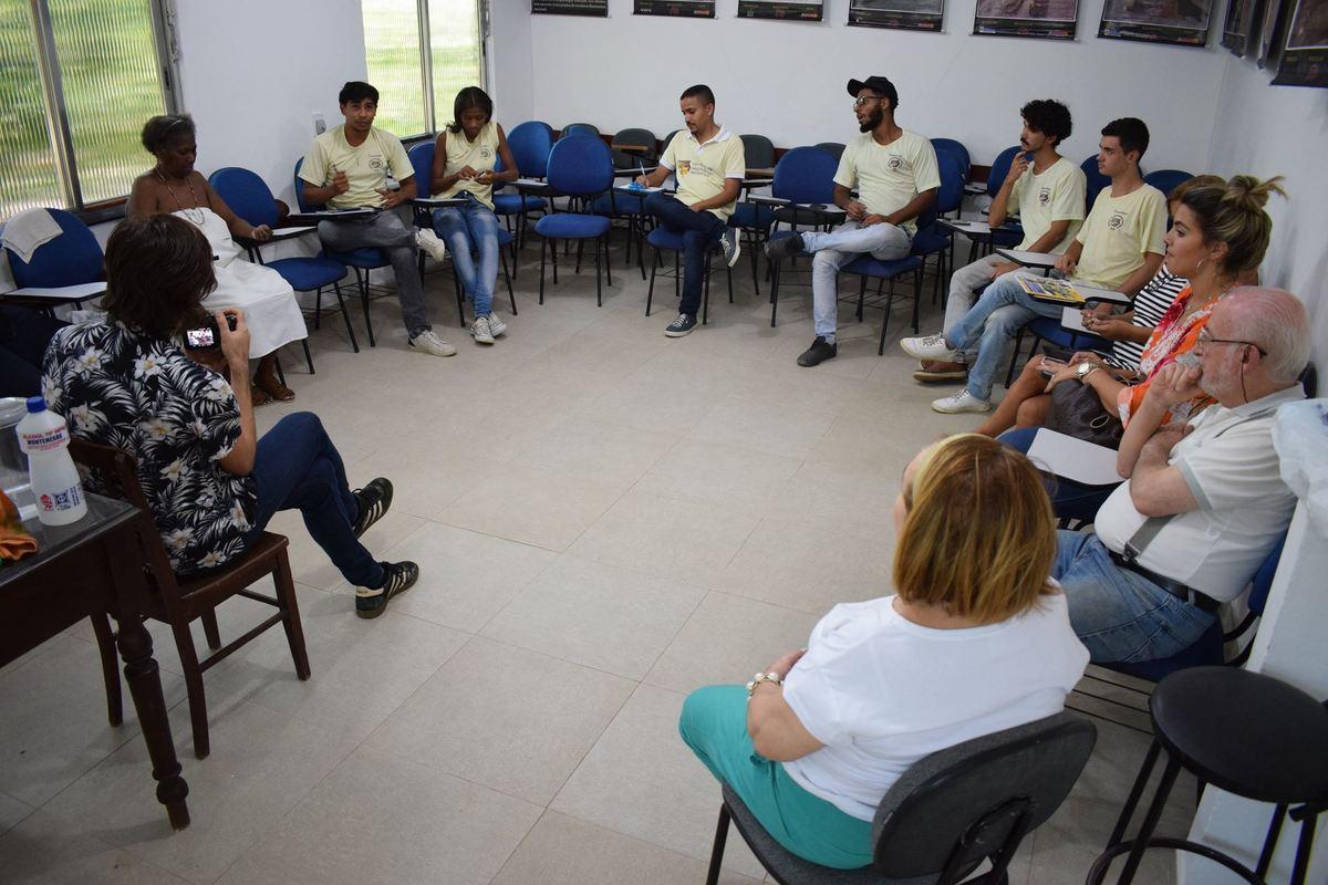Imagem capa - Intermediação entre profissionais e projetos sociais por LAC