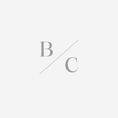 Logotipo de Bárbara Coufal
