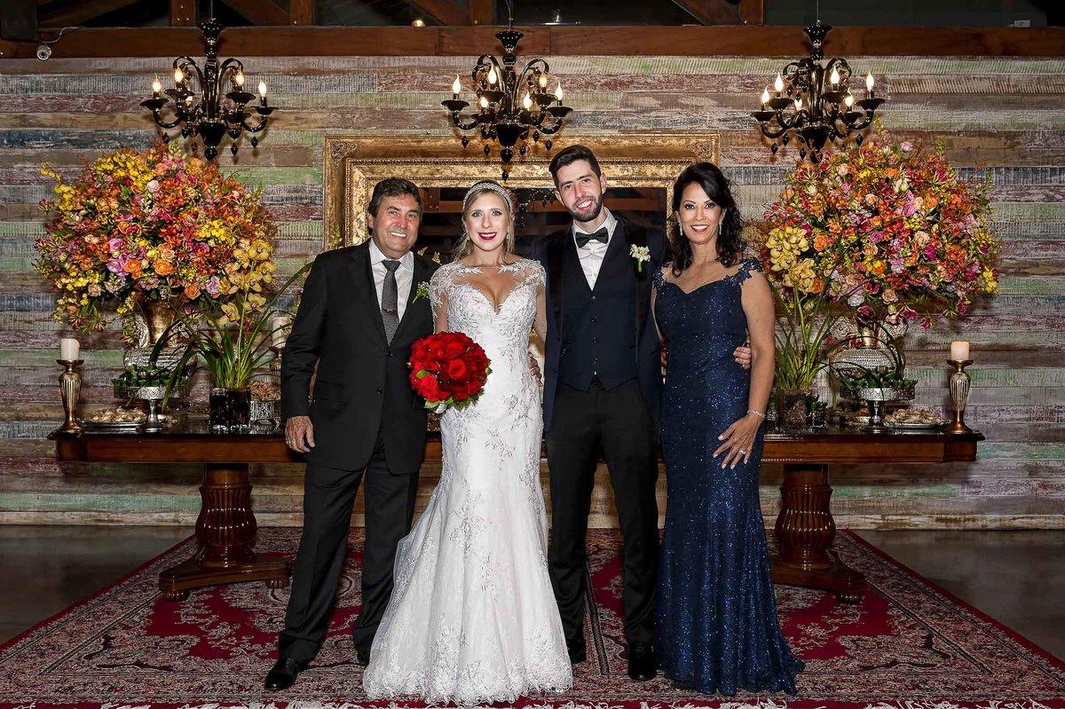 fotografia de casamento no armazém 465 Alphaville, fotografia de casamento em alphaville. noivos com os pais da noiva