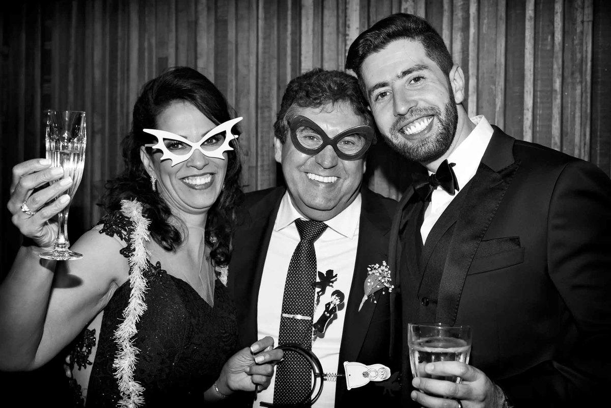 fotografia de casamento no armazém 465 Alphaville, fotografia de casamento em alphaville. noivo com os pais