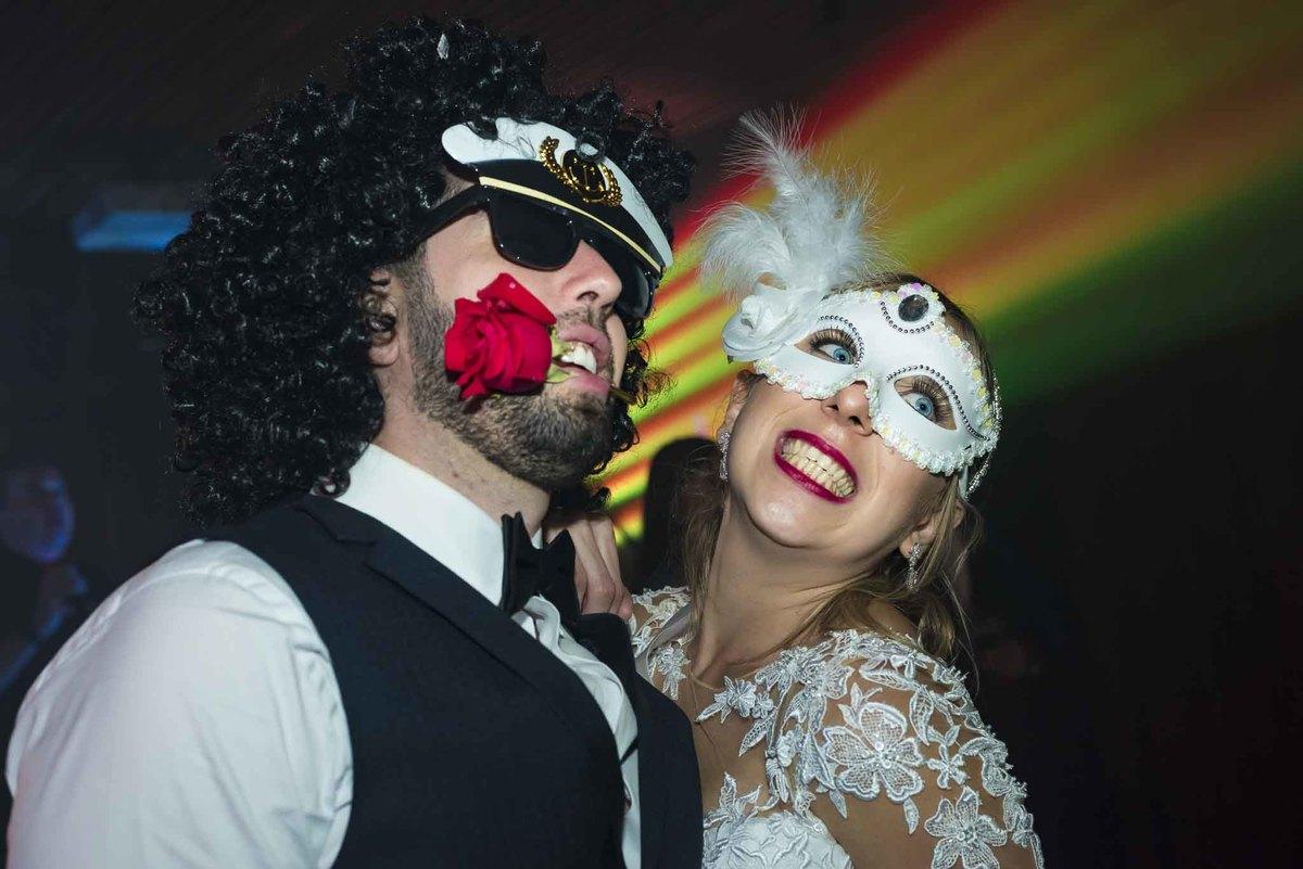 fotografia de casamento no armazém 465 Alphaville, fotografia de casamento em alphaville. noivos posando na festa