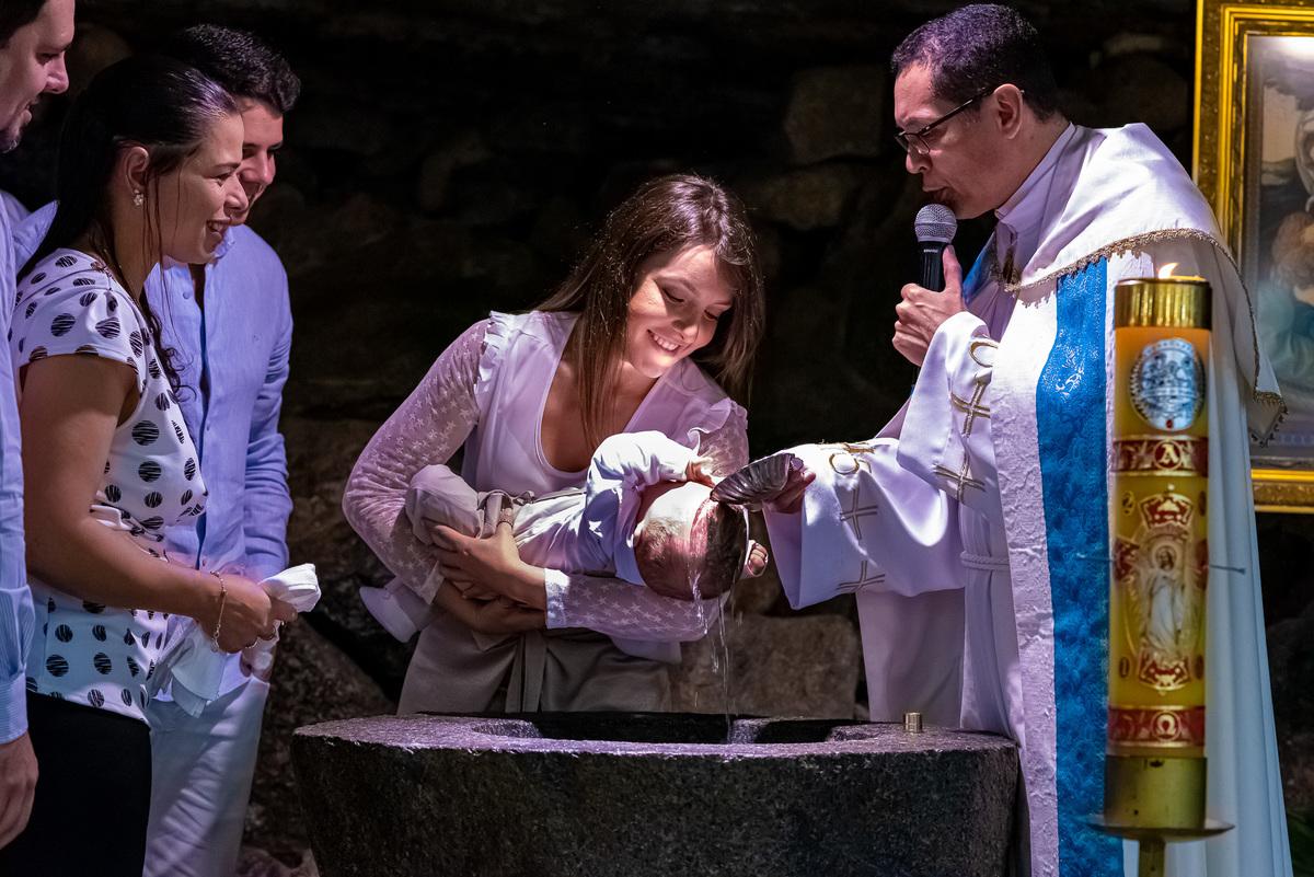 Imagem capa - Como fotografar Batizado na Igreja Católica por A3 Photo