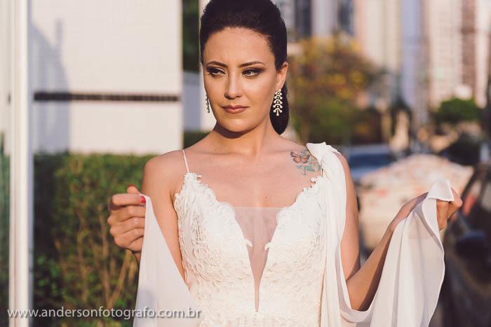 Imagem capa - Inspiração para poses de noivas [ensaio fotográfico + vídeo bonus] por Anderson Nascimento