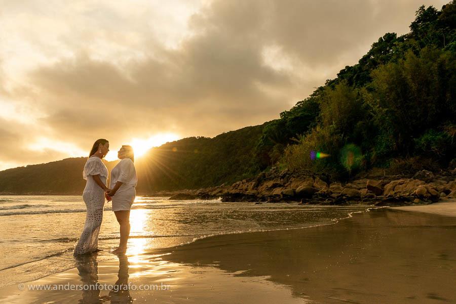 Imagem capa - Ensaio Fotográfico Homoafetivo Guarujá - Praia do Guaiúba ❤️ por Anderson Nascimento