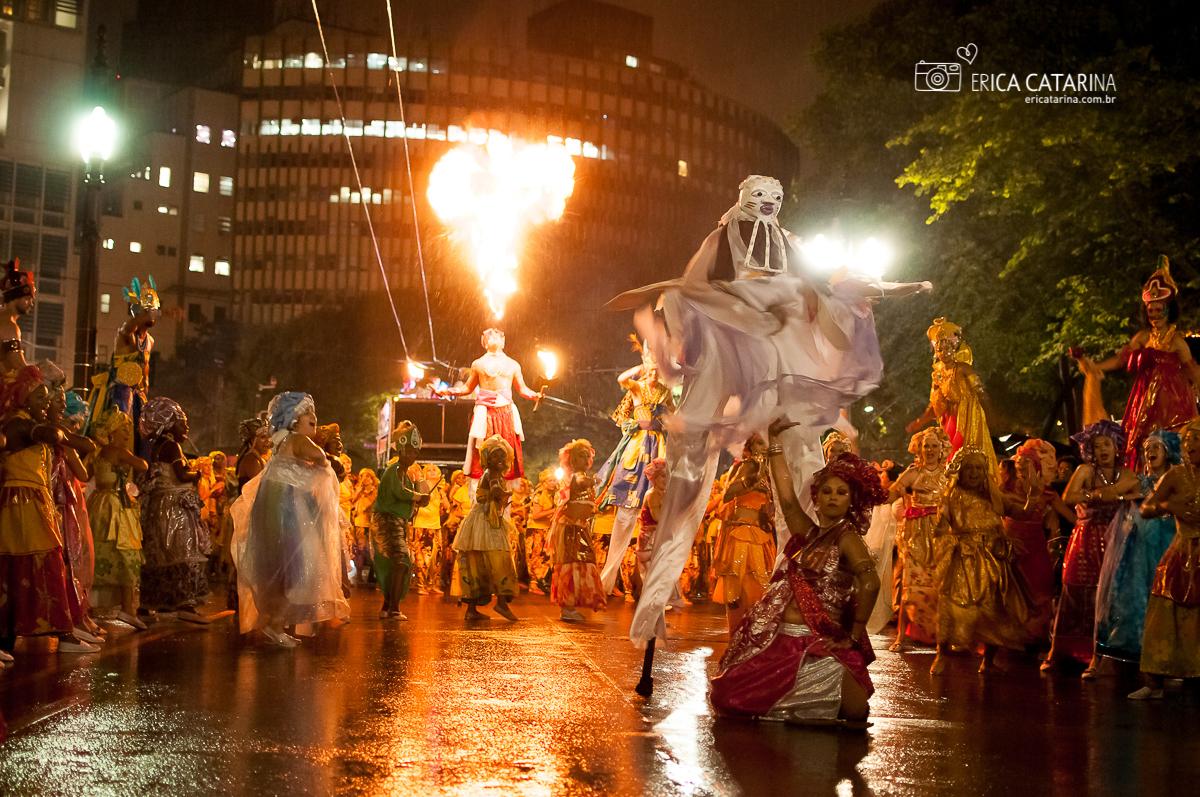Imagem capa - {SP} Bloco Ilú Obá de Min no Carnaval de rua de São Paulo (noite) por Erica Catarina Pontes