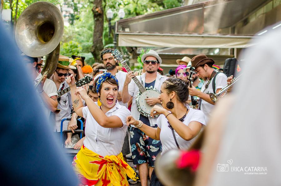 Imagem capa - {SP} Bloco Unidos do Swing no Carnaval de rua de São Paulo por Erica Catarina Pontes