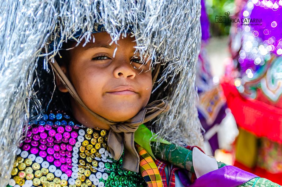 Imagem capa - {Pernambuco} Encontro de Maracatu Rural (Parte 2 - Figurinos do Maracatu de baque solto) por Erica Catarina Pontes