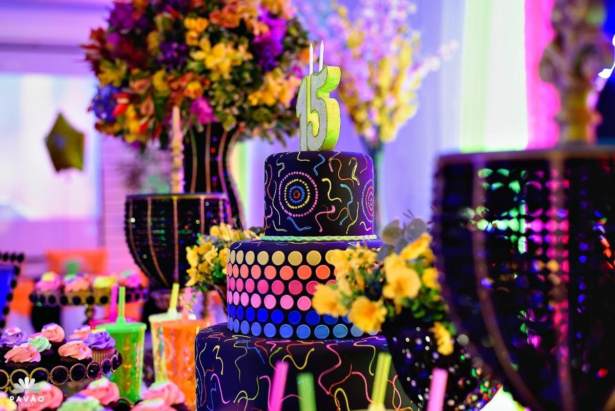 Imagem capa - Como preparar uma festa de 15 anos? por Ana Menezes
