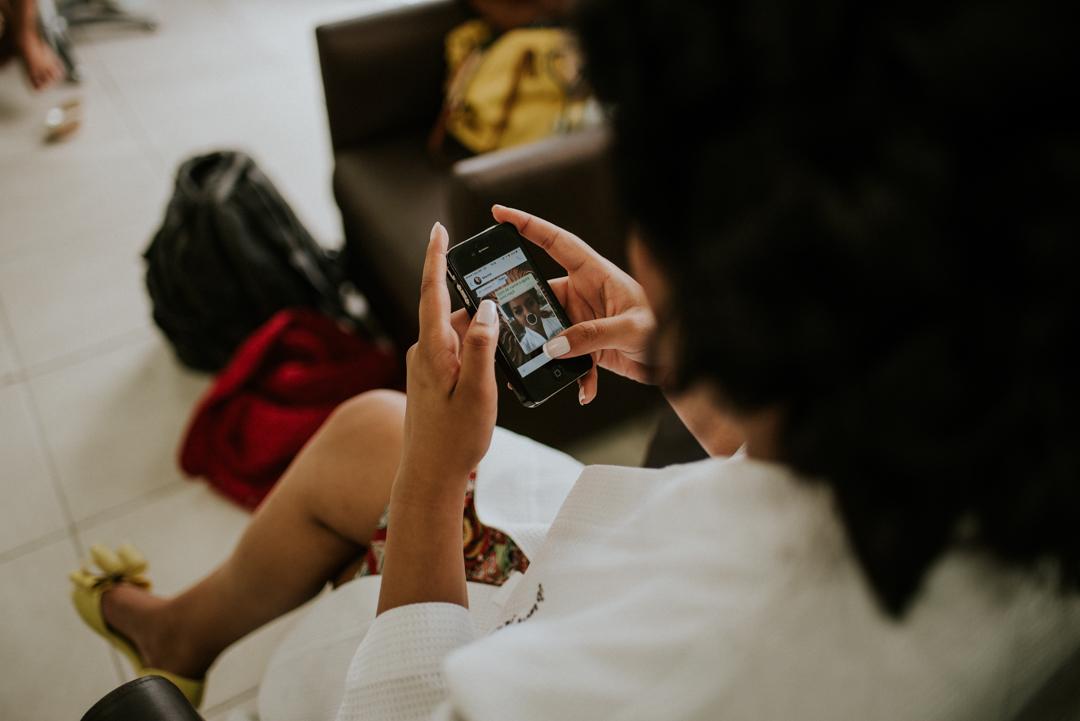 noiva no celular