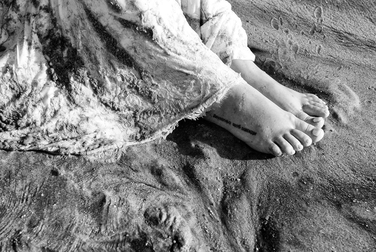 vestido da noiva se acaba na areia