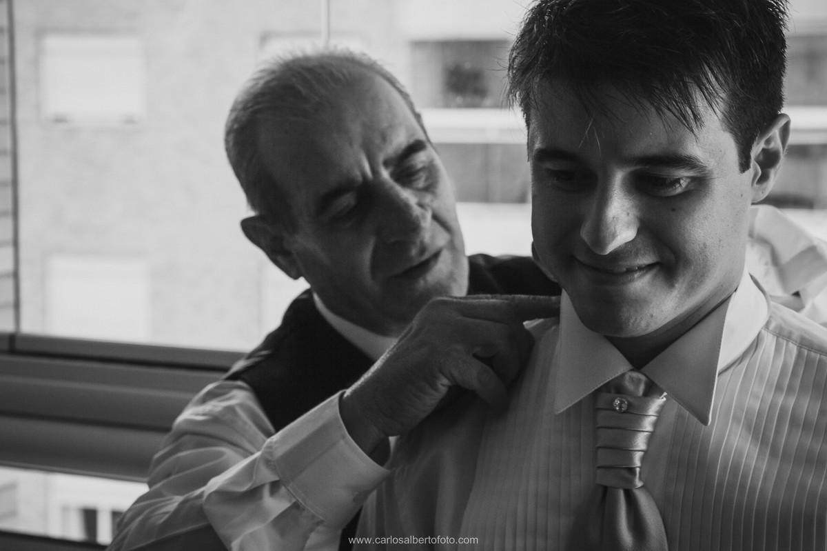 pai e filho no make of do noivo
