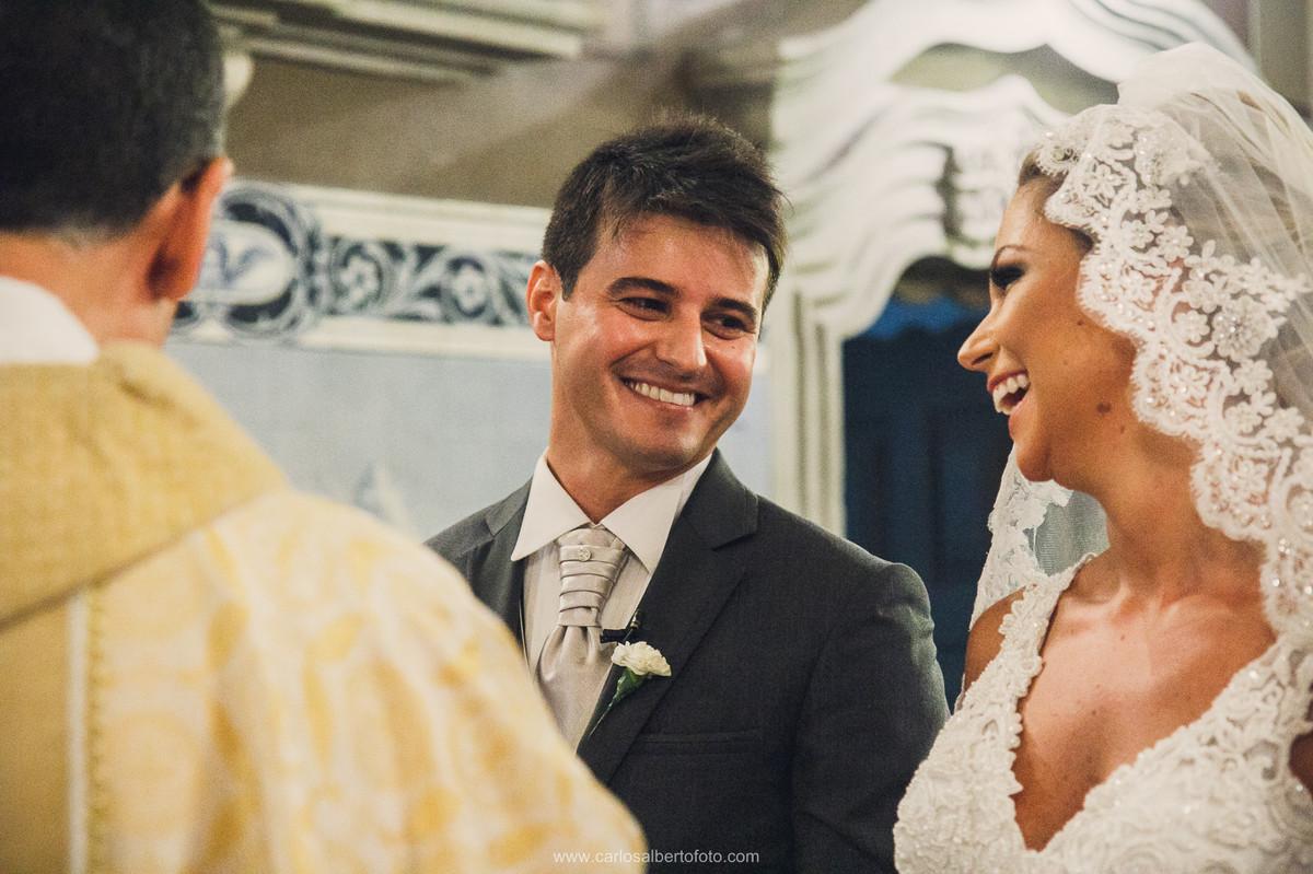 troca de olhares do noivo