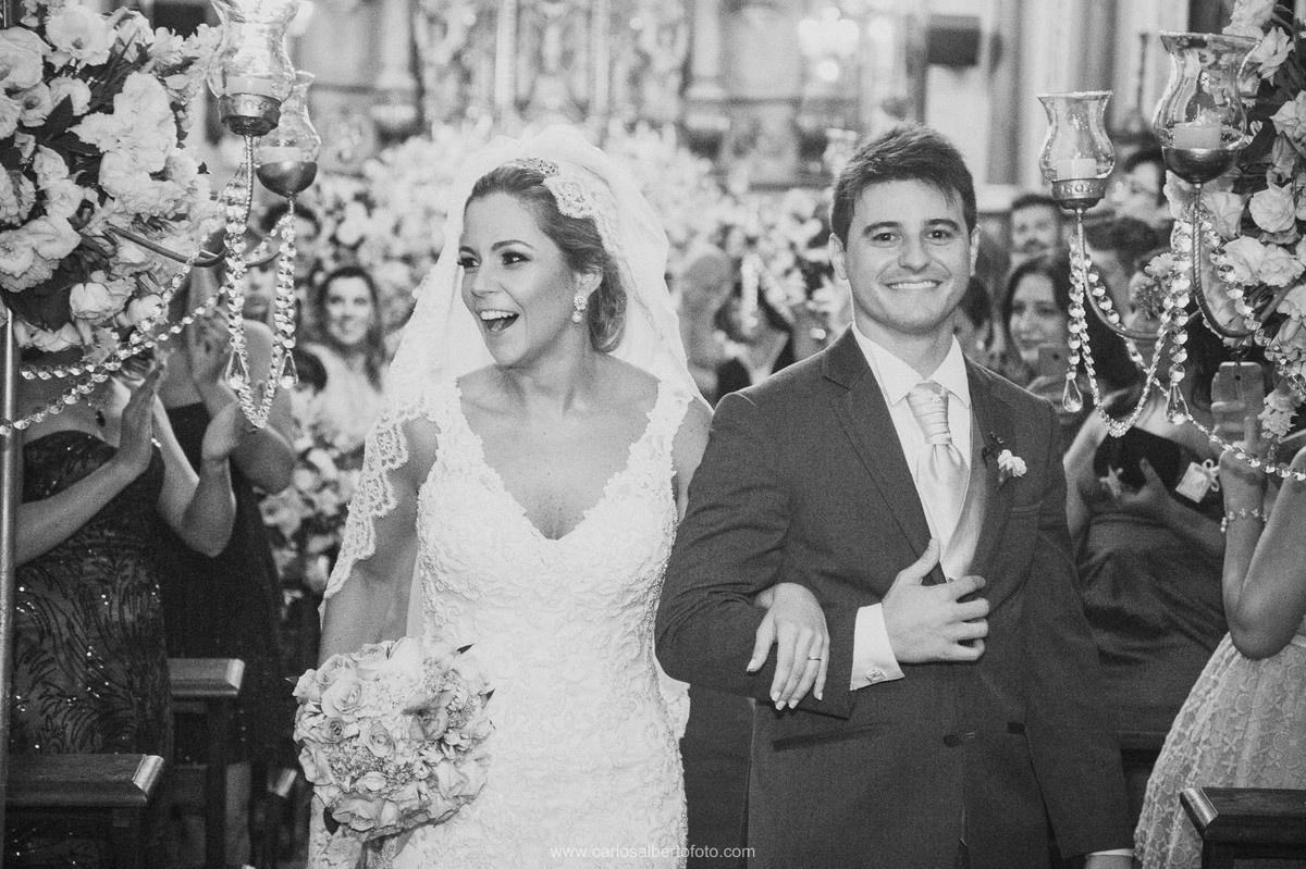 saida dos noivos em peb