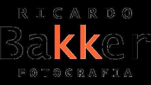 Logotipo de Ricardo Bakker