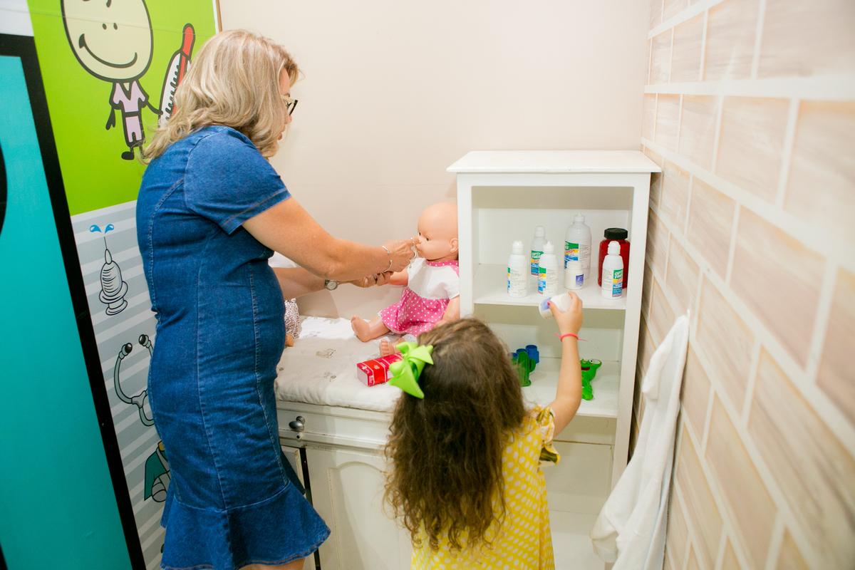 Imagem capa - Papo com Especialista | saúde da criança durante a quarentena por Julie Campanholi