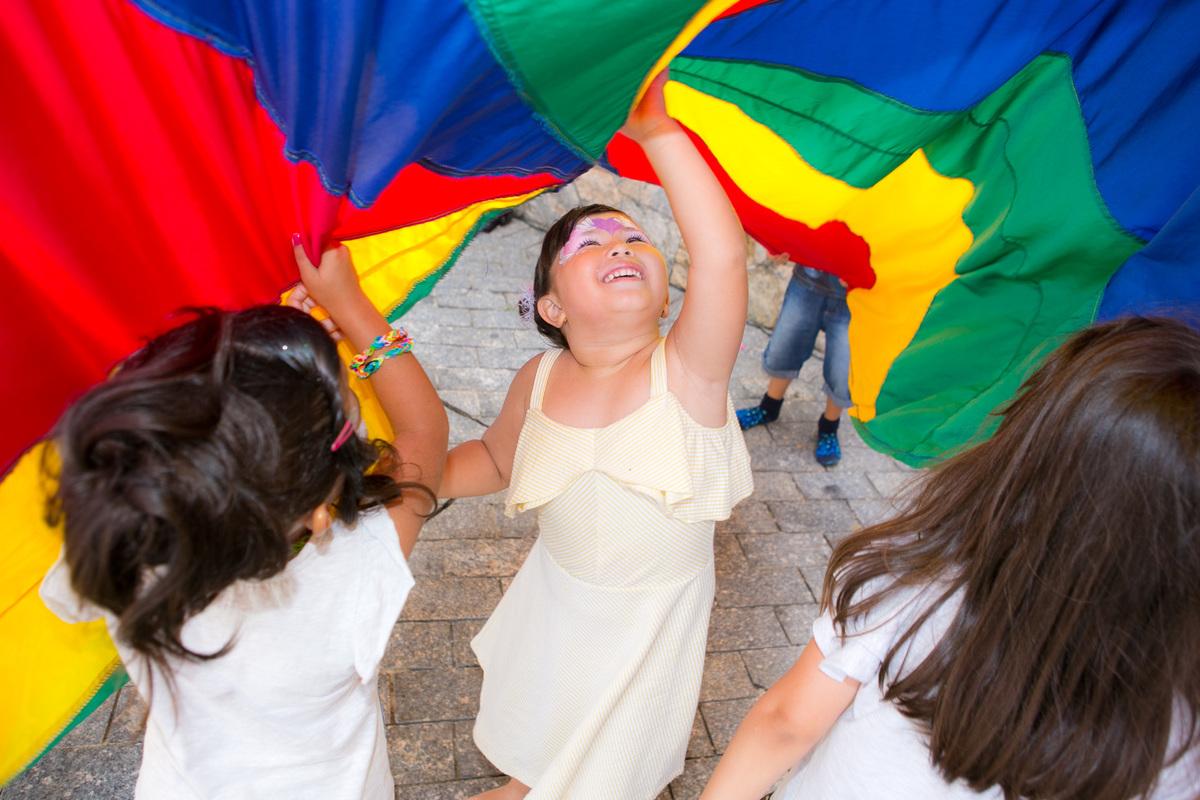Imagem capa - Carnaval 2020 | dicas e agenda para curtir com as crianças! por Julie Campanholi