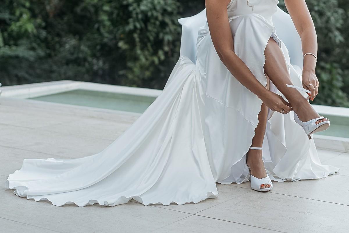Imagem capa - O que as noivas precisam saber para não errar na escolha do sapato perfeito. por Palloma Campello