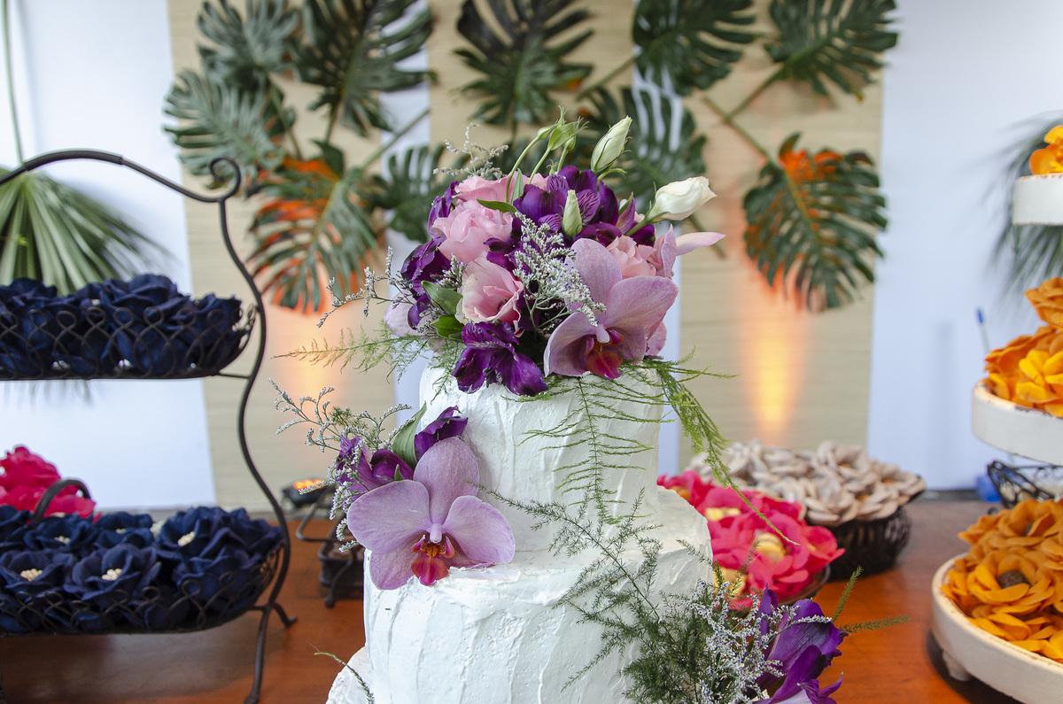 Imagem capa - Flores tóxicas para bolos de casamento! por Palloma Campello