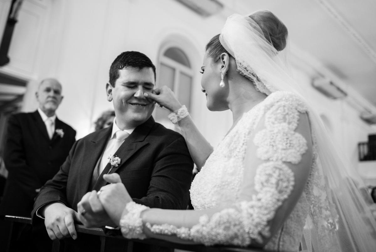 Imagem capa - 5 Momentos Arrepiantes Que Já Vivi Em Casamentos e que vão te Emocionar! por Lidiane Gomes