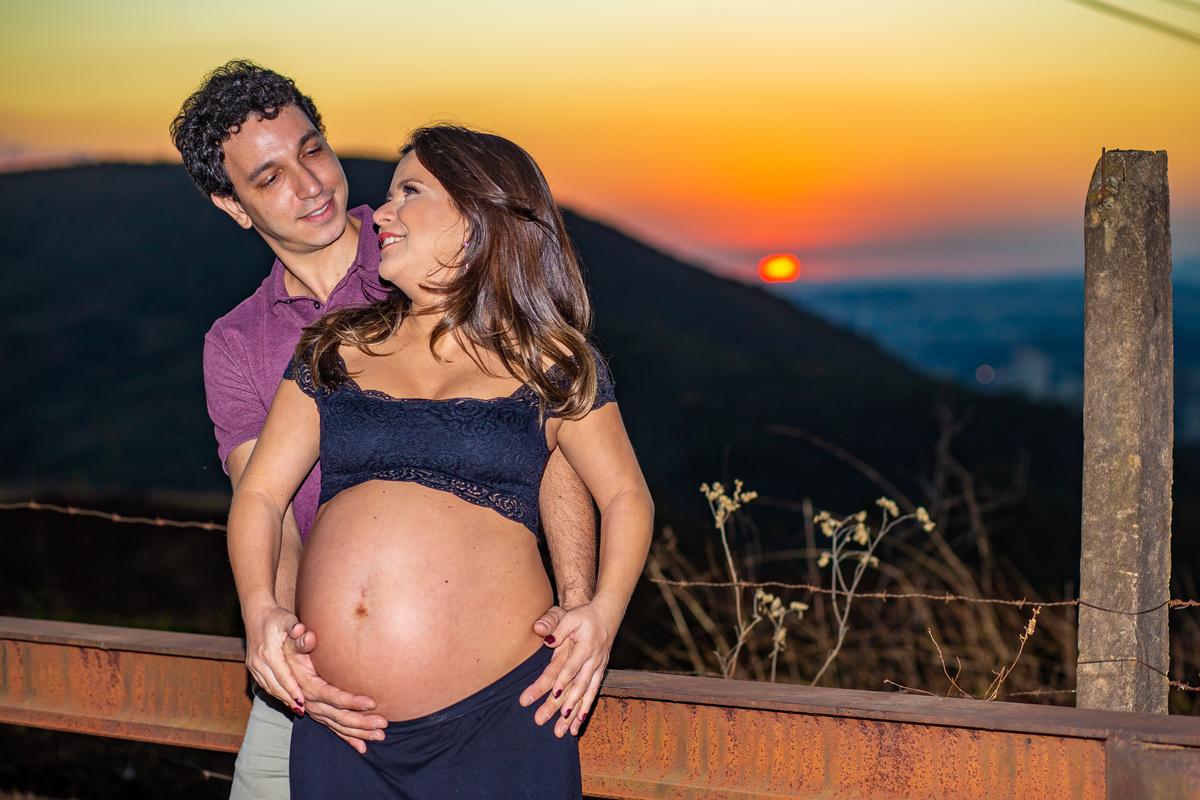 Fotografia de Gestante em BH por Tato Mota Fotografia #gravidalinda #tatomotafotografia #pregnant #fotografiaprofissional #bookgestante #gravidos #fotos #ensaios #book #linhadobelvedere
