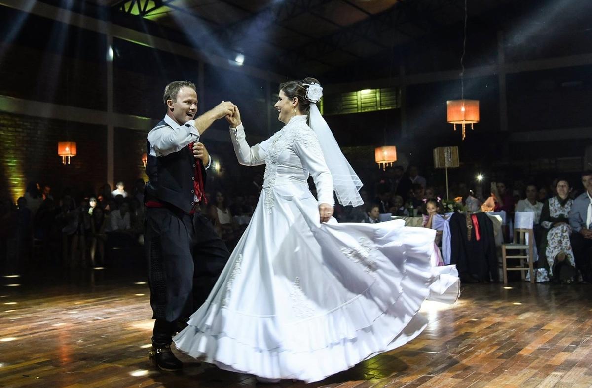 Imagem capa - Conheça o casal da dança tradicionalista por Marciel Rodrigo Ludwig