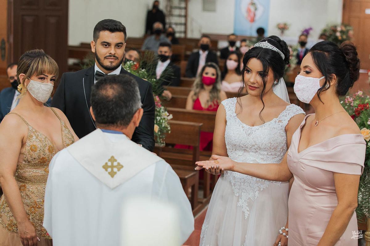 Imagem capa - Os casamentos estão voltando a acontecer! por Victor Ataide