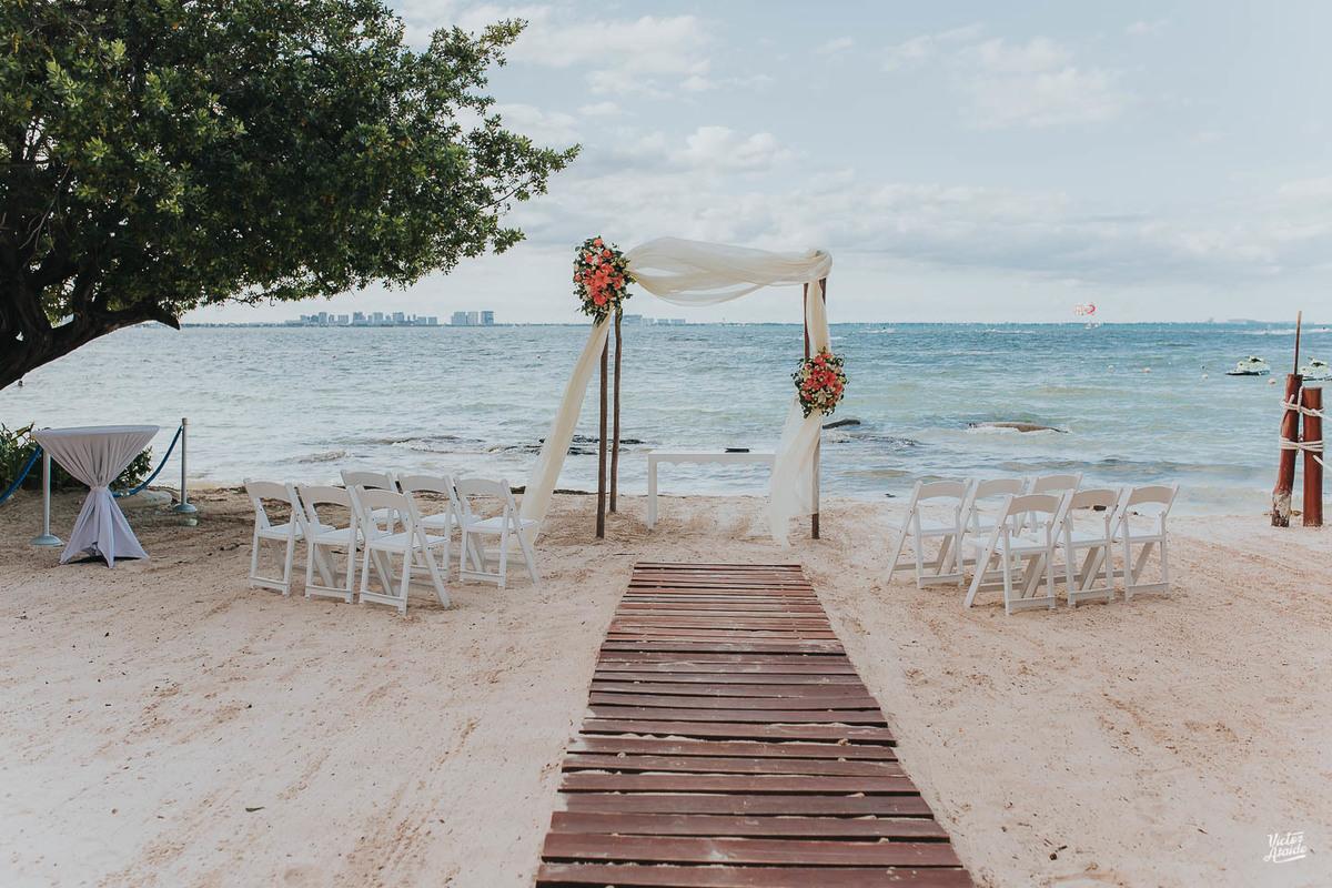 Imagem capa - Vale a pena Casar fora do país? por Victor Ataide