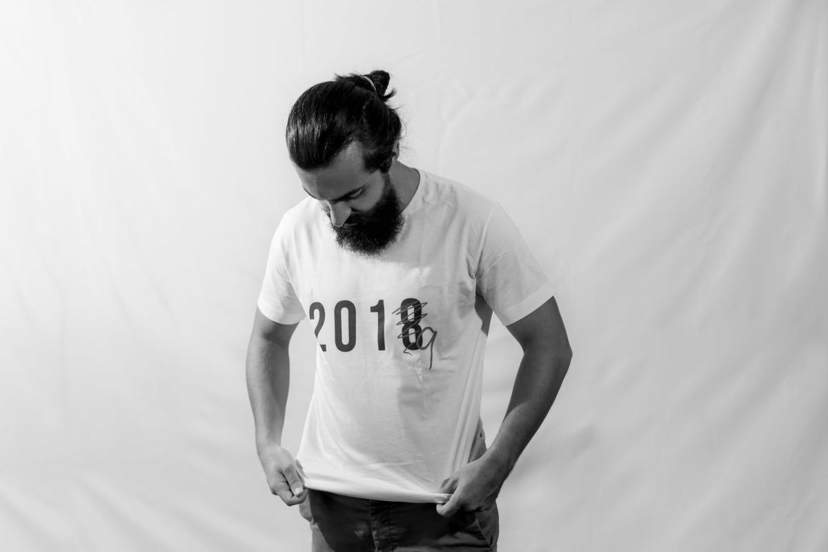 Imagem capa - E LÁ SE VAI 2018! por Victor Ataide