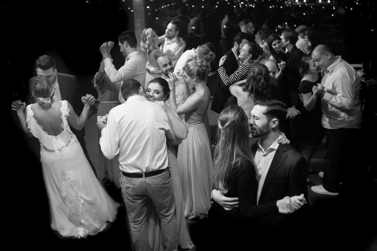 Imagem capa - Como montar a lista de convidados do nosso casamento? por Rodrigo Parucker