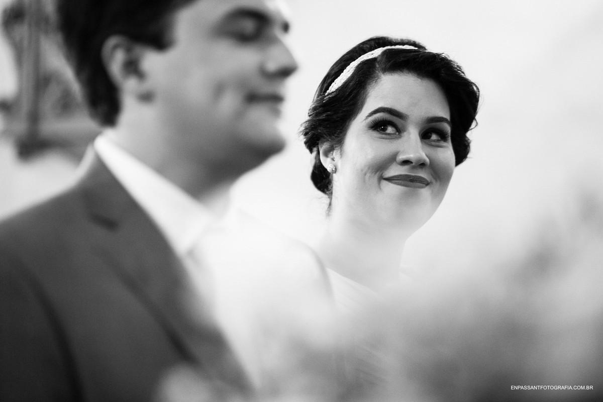 noiva olha para o noivo