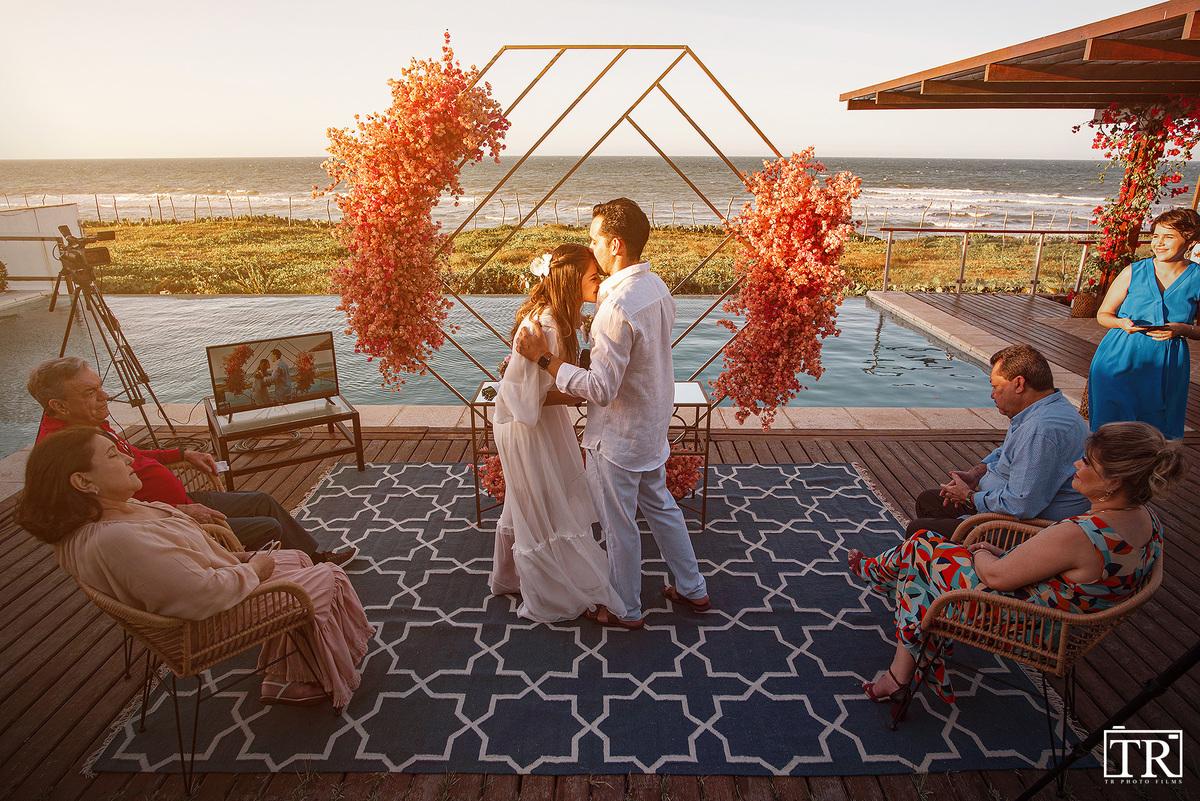 Imagem capa - CASAMENTO SURPRESA NA PRAIA - ELOPEMENT WEDDING - TAÍBA por TR PHOTO FILMS