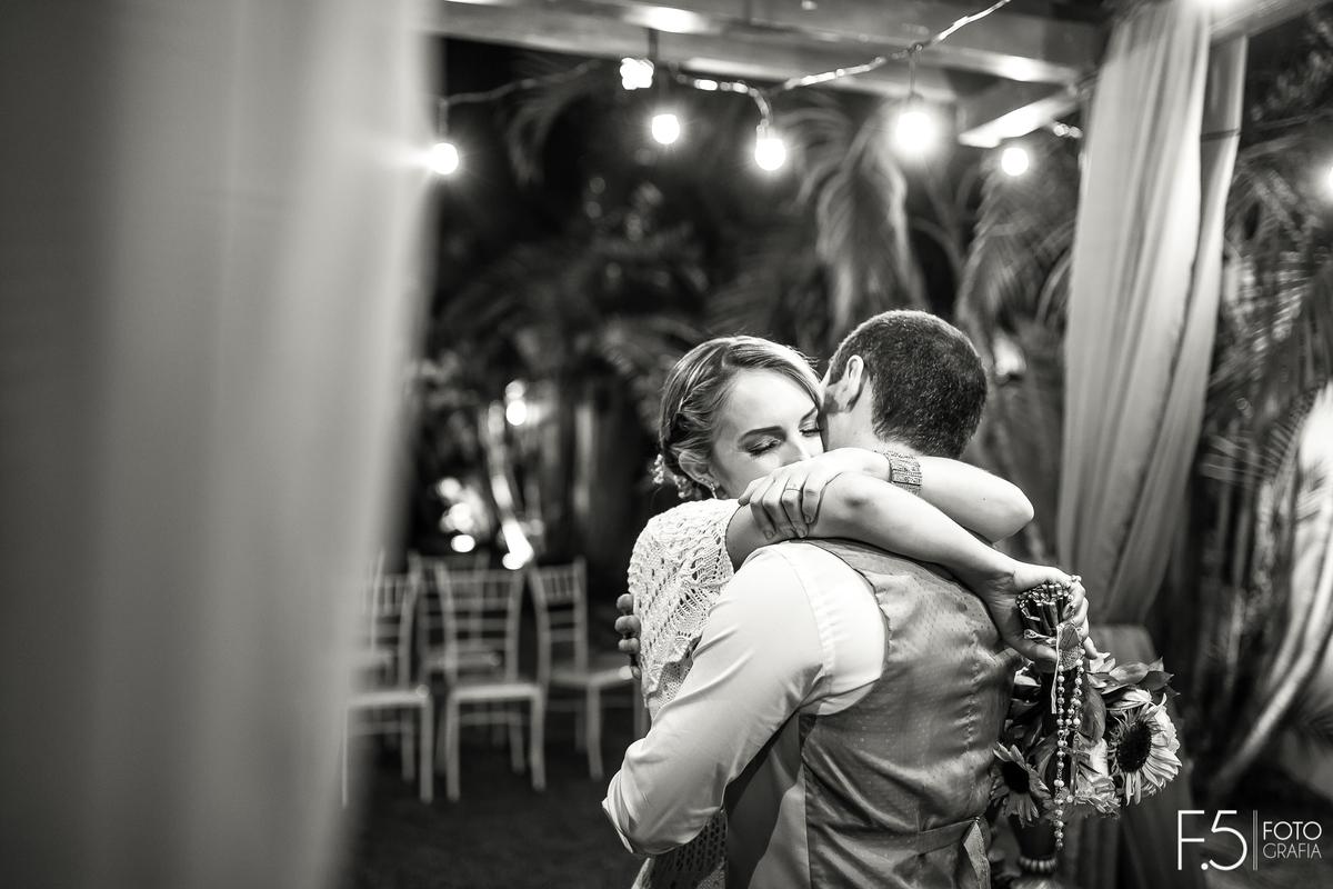 Imagem capa - Casamento no campo por F5 - Fotografia