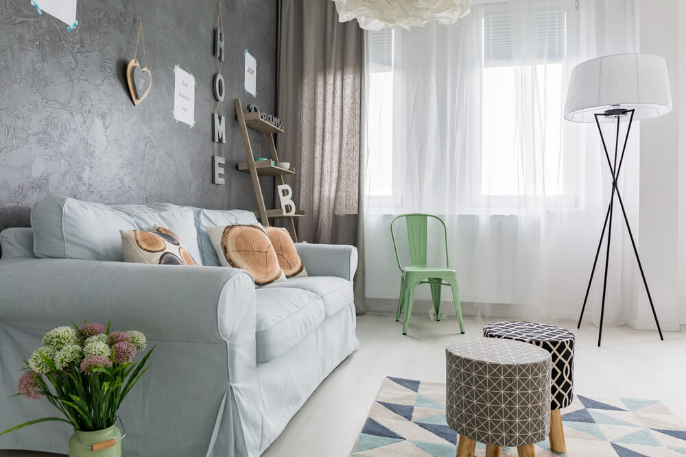 Imagem capa - Como usar tapetes coloridos e geométricos em casa por Maíra Onofri