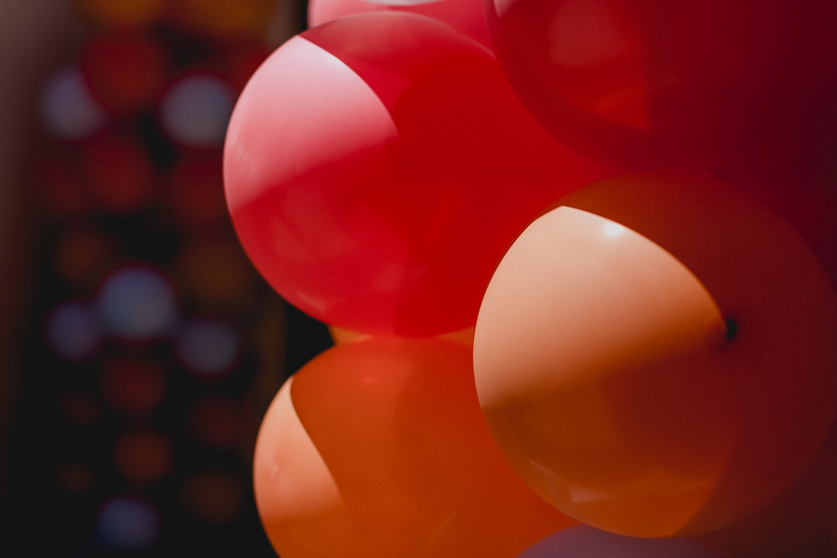 balões na entrada do buffet kid recanto localizado na vila romana são paulo sp