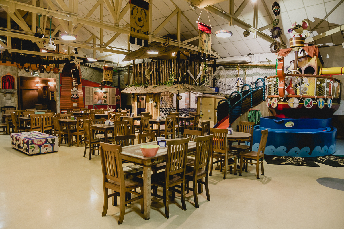 interior do buffet miniland