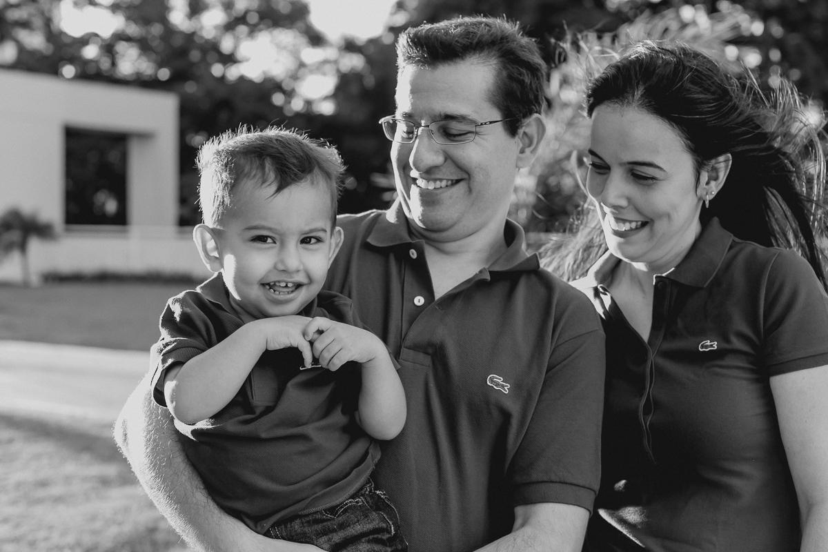 retrato preto e branco em familia
