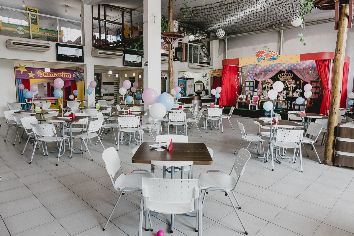 interior e atraçoes do buffet pik total em guarulhos