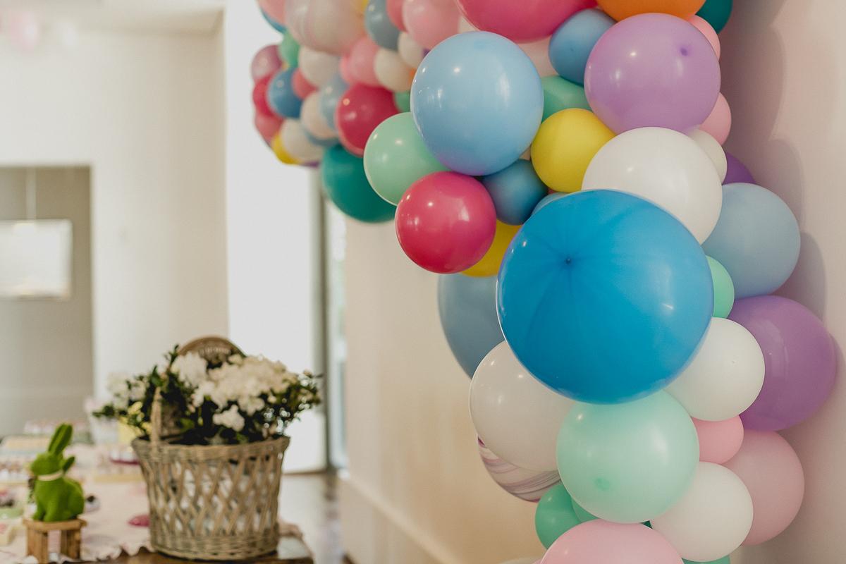 baloes decorativos na festa de 5 anos da luisa feita pela cenografa marcela fongaro
