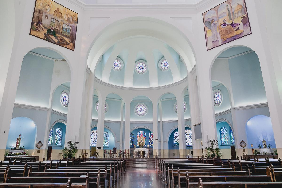 interior da paroquia santa isabel rainha localizada no bairro do carrao zona leste sp