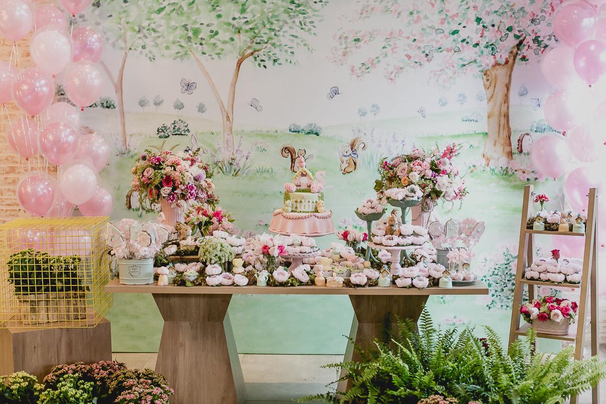 detalhes da mesa do bolo